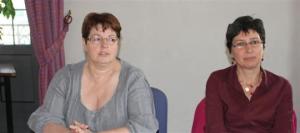 Chantal Adami (Front de gauche) candidate dans la 4 e circonscription du Doubs et Fabienne Finck (NPA), remplaçante. Photo Patricia Louis